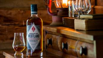 s3-westland_american_oak_lifestyle_bottle_2--default--940